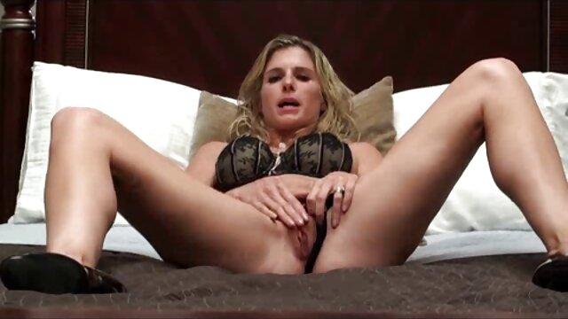 Jesteście pijani, dziewczyny, gotowi amatorskie darmowe filmiki erotyczne