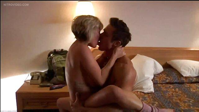 Ubrana jak panna młoda, sex amatorski film język jest słodki od seksu