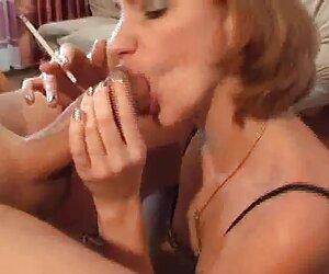 Zamiast darmowe prywatne filmiki erotyczne Walić tyłkiem przed grupą.