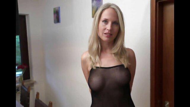 Seksowna Rita lubi sex amatorski film seks oralny.